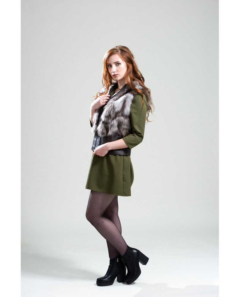 Жилет женский, модель: 16-18, мех: песец,  цвет: бело-коричневый